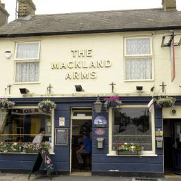 The Mackland Arms Rainham Exterior